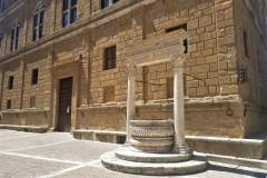 Pozzo in Piazza Pio II a Pienza