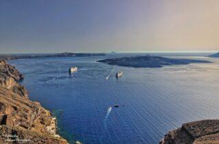 La caldera di Santorini: escursione in barca