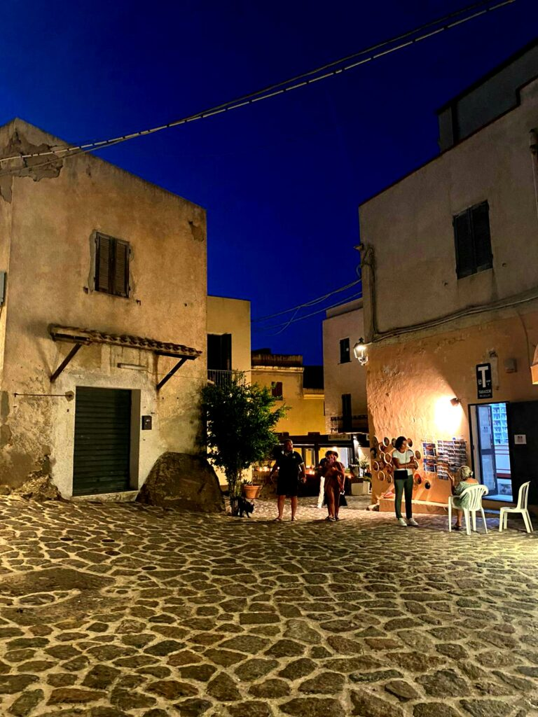 Le strade del centro storico di Castelsardo