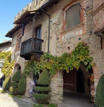 Grazzano Visconti il borgo vicino Piacenza