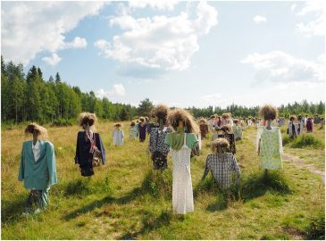 """Silent People"", spaventapasseri in Finlandia"