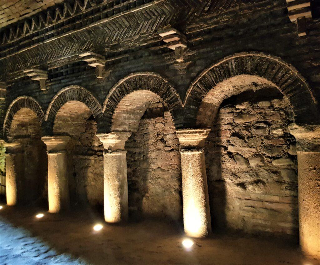 cosa vedere a Santarcangelo di Romagna le grotte tufacee