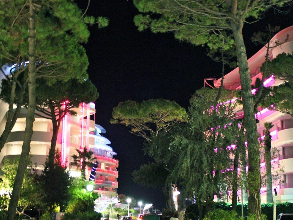 Hotel illuminati a Milano Marittima