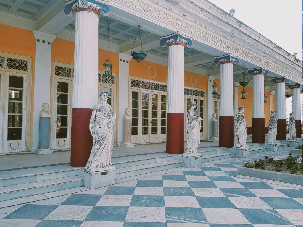 Achilleion palace il peristillio o Galleria dei filosofi