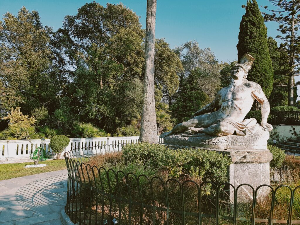 La statua dell'Achille Morente di  Ernst Gustav Herter
