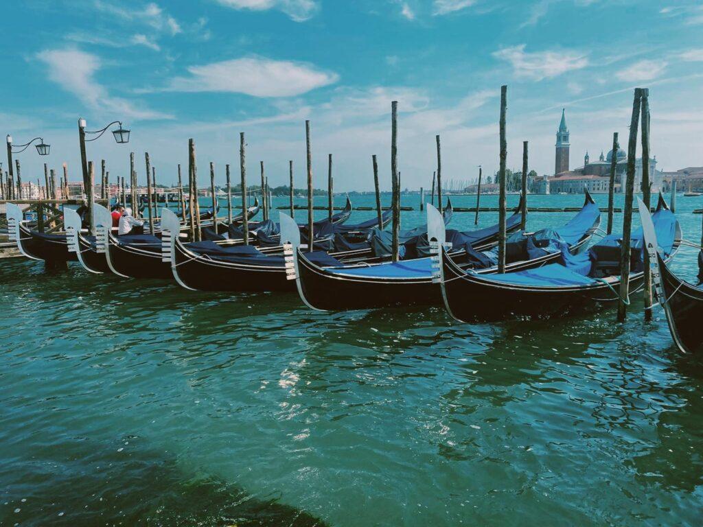 Le tipiche gondole veneziane a Piazza San Marco