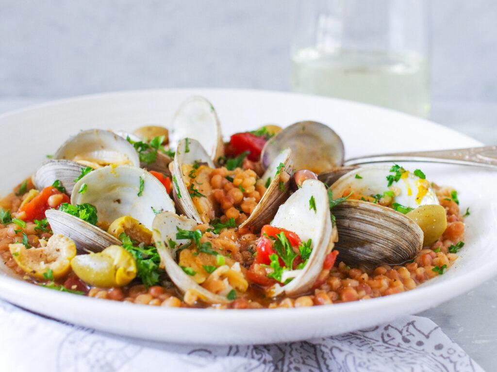 Fregola con le arselle piatti tipici Sardegna