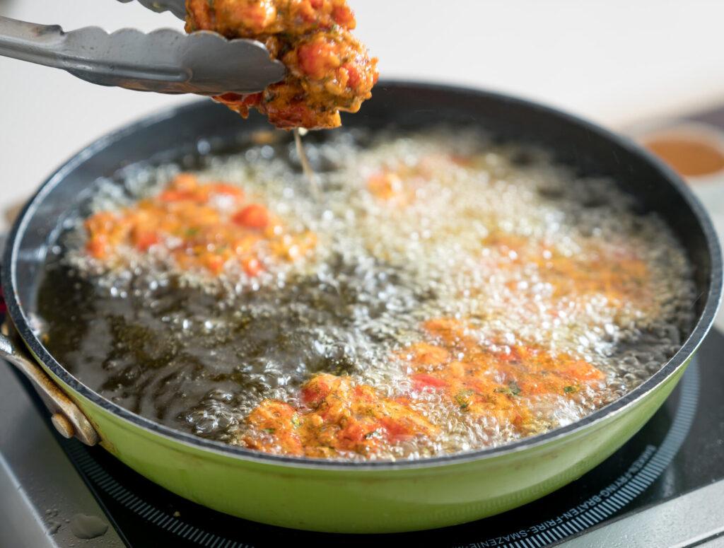 Domatokeftedes (Polpette fritte di pomodori)